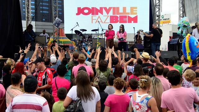 Shows musicais ocorreram durante todo o Dia do Trabalho (Foto: Nilson Bastian/Divulgação)
