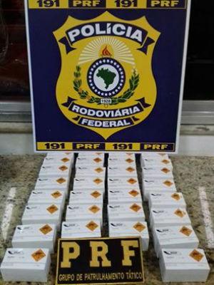 PRF apreende 3 mil espoletas durante revista em ônibus na BR-116 (Foto: Divulgação / Polícia Rodoviária Federal)