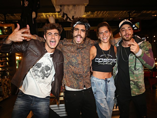 Rafael Vitti, Mariana, Caio Castro e Felipe Titto (Foto: Celso Tavares / Ego)