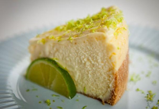 Celebre a terça-feira em casa com delicioso cheesecake de limão