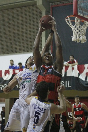 basquete cristiano felício flamengo são josé ldb (Foto: Lucas Figueiredo/LNB)