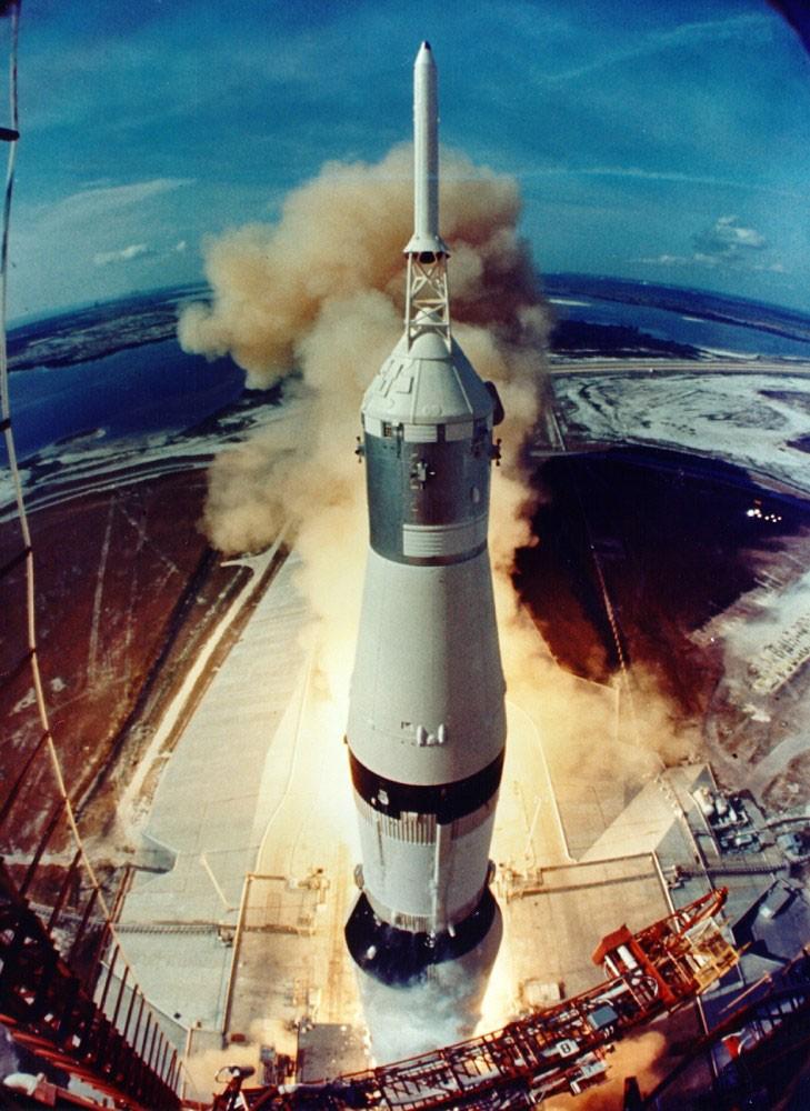 Foguete Saturn V decola na manhã de 20 de julho de 1969 (Foto: NASA)