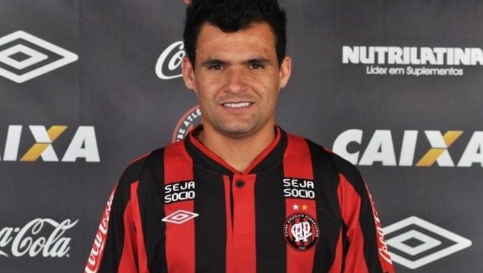 Paulinho Dias Atlético-PR (Foto: Site oficial do Atlético-PR/Divulgação)