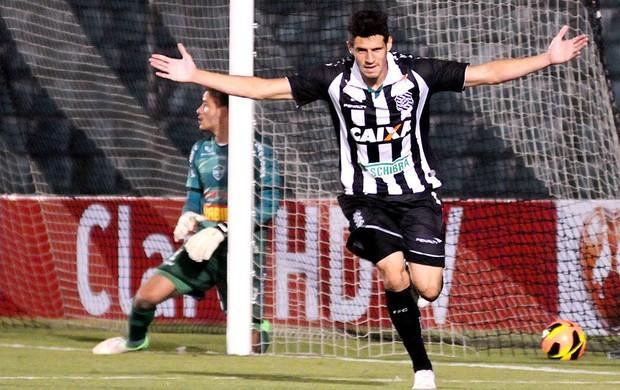 Maylson comemoração Figueirense jogo Arapongas (Foto: Agência Estado)