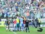Palmeiras antecipa férias de atletas e vive incerteza sobre técnico na Bahia