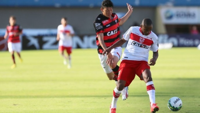 Atlético-GO x CRB - Série B 2016 (Foto: Zuhair Mohamad / O Popular)