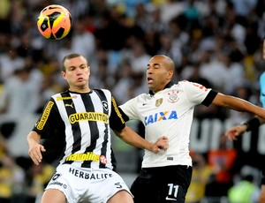 Marcelo Mattos e Emerson jogo Botafogo e Corinthians (Foto: André Durão / Globoesporte.com)