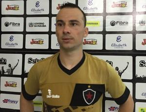 Botafogo-PB, Plínio (Foto: Lucas Barros / GloboEsporte.com)