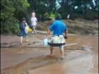Família enfrenta muita lama para passar Natal na casa da mãe no PR