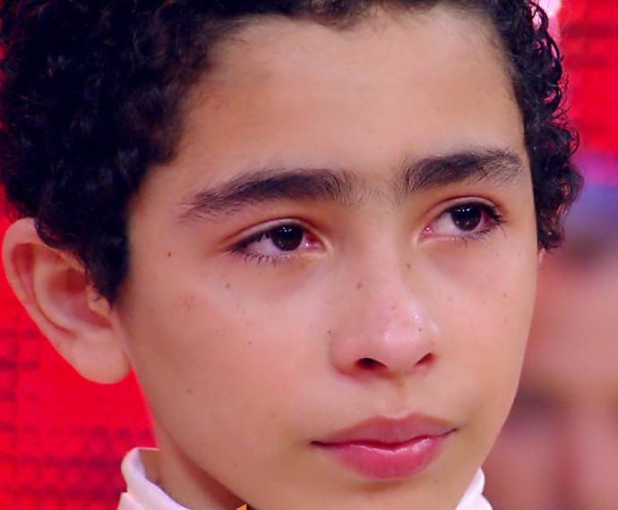 Giovane se emociona ao contar história de superação com o balé (Foto: TV Globo)