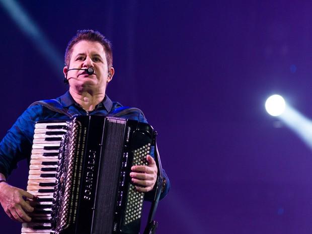 Marrone deu um show na sanfona no palco principal da Festa do Peão de Barretos (Foto: Érico Andrade/G1)