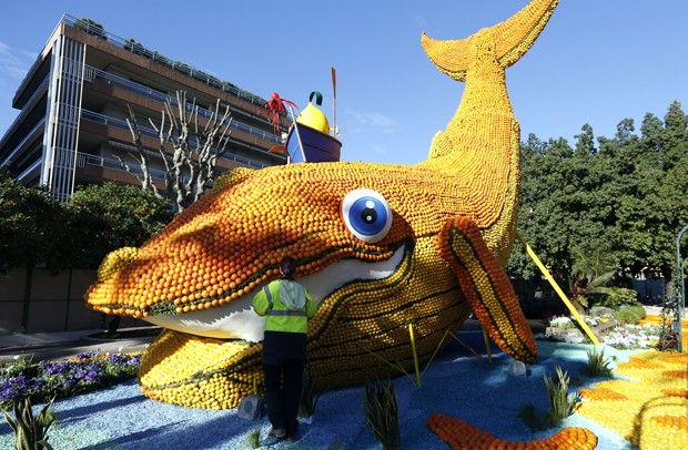"""Fete du Citron"""" (Festival do Limão) ocorre na região de Riviera Francesa (Foto: Valery Hache/AFP)"""