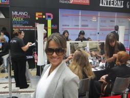 Foto (Foto: Fernanda posa entre as gravações da Semana de Moda de Milão)