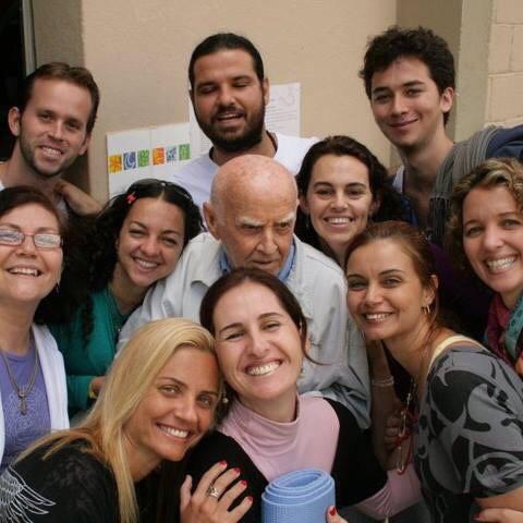 Gabriel Falcão participou do retiro 'Yoga sem Fronteiras', em 2010, com o professor Hermógenes (Foto: Arquivo Pessoal)