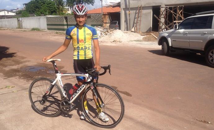 Jovem vai tentar o bicampeonato na Corrida Macapá Verão de Ciclismo (Foto: Jonhwene Silva/GE-AP)