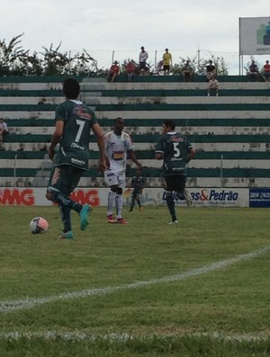 Nacional-MG x Caldense - Campeonato Mineiro 2013 (Foto: Gullit Pacielle)
