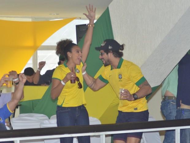 Famosos assistem ao jogo Brasil  (Foto: Leo Marinho /AgNews)
