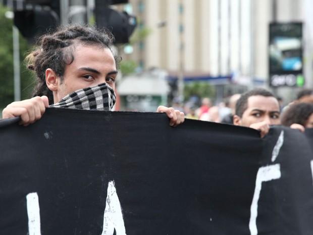 Manifestante durante concentração na Avenida Faria Lima (Foto: Marcelo Brandt/G1)