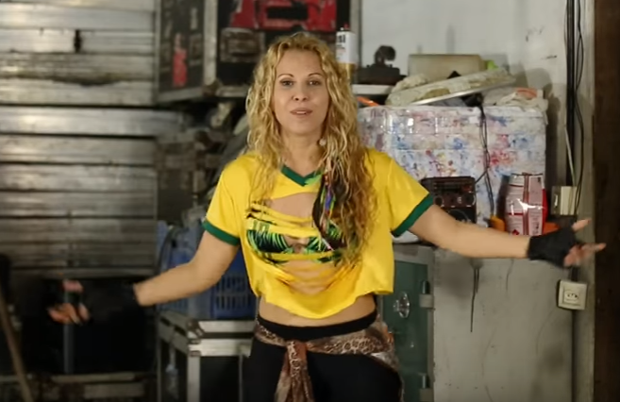 Joelma no clipe (Foto: Reprodução)