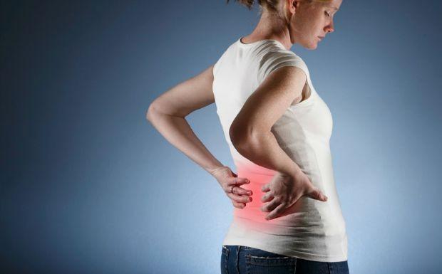 Dor nas costas insistente? Incmodo pode ser indcio de doenas mais graves (Foto: Reproduo / Getty Images)