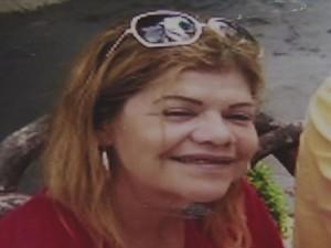 Mulher foi encontrada dentro de um buraco em casa (Foto: Reprodução/TV Tribuna)