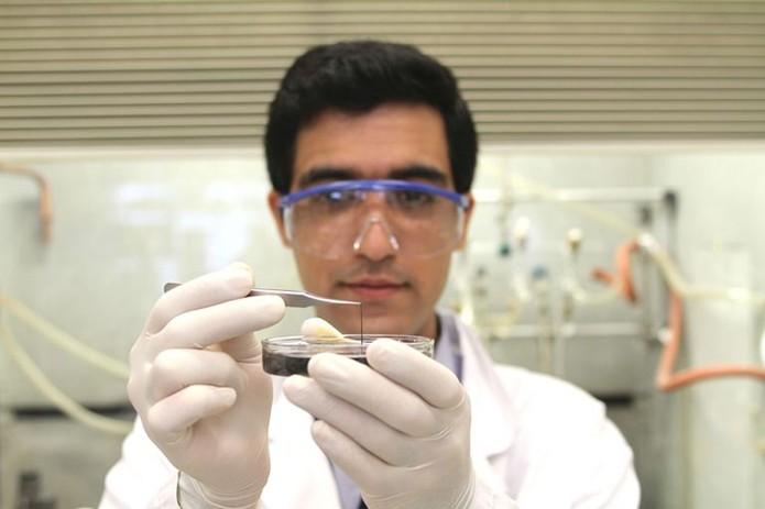 Usando nióbio, pesquisadores criaram um tipo de supercapacitor que pode ser muito útil nos dispositivos vestíveis (Foto: Divulgação/MIT)