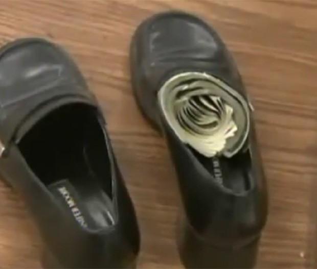 Economias de senhora eram guardadas em calçado, que acabou indo para doação por engano (Foto: Reprodução)