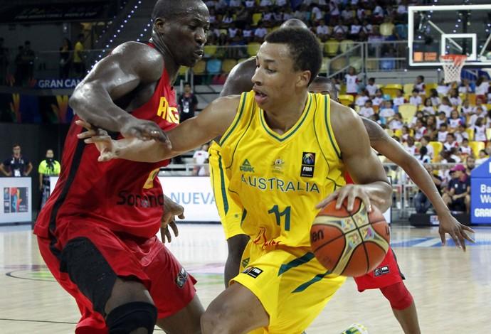 Exum e mingas Austrália x Angola copa do mundo basquete (Foto: EFE)