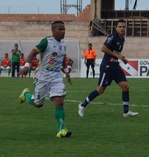 Tapajós e Remo se enfrentaram pela terceira rodada do Parazão (Foto: Sabrina Rabelo/GloboEsporte.com)