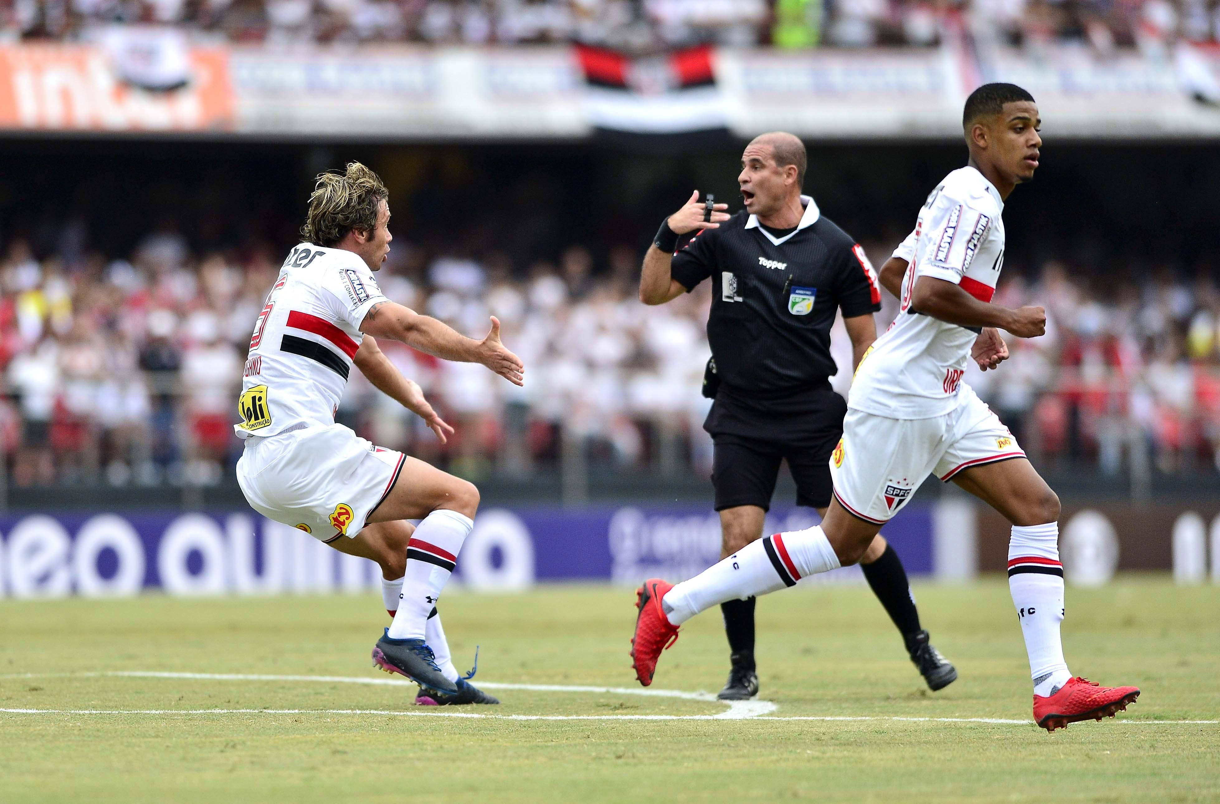 São Paulo X Bahia - Campeonato Brasileiro 2017  ee4fe3ee7ac88