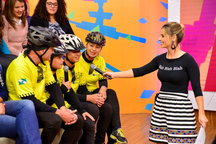Família bike amarela Estúdio  (Foto: Priscilla Fiedler/RPC)