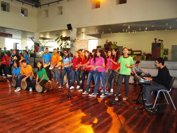 Armario Hemnes ~ G1 Grupo Tambores do Conde se apresenta na Feira do Livro, em Belém notícias em Pará