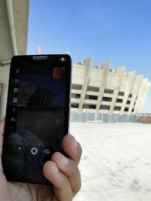 G1 testou o acesso à rede 4G em um smartphone da Motorola no estádio Mineirão, em Belo Horizonte (Foto: Pedro Triginelli/G1)
