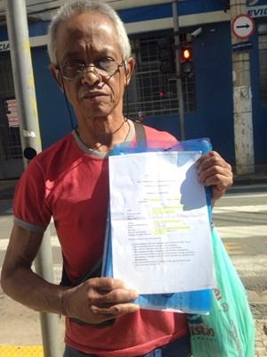Beneficiário do INSS não consegue atendimento em Campinas (Foto: Clara Rios/G1)