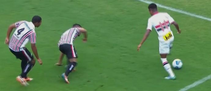 Revelações de Corinthians e São Paulo disputam lance mais bonito ... 09fb303fe7dce