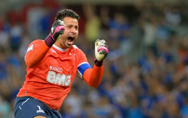 Fabio comemora Cruzeiro (Foto: AFP)