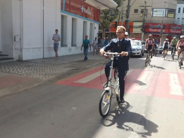Sérgio Meneguelli toma posse da prefeitura de Colatina (Foto: Alessandro Bachetti/ TV Gazeta)