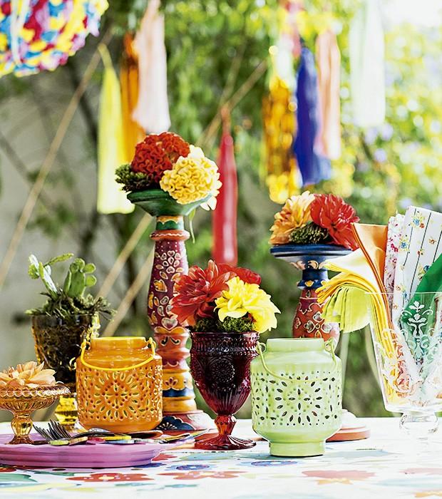 Arriba S u00e3o Jo u00e3o Uma festa junina inspirada na Frida Kahlo Casa e Jardim Festa Junina -> Decoração De São João Com Material Reciclado