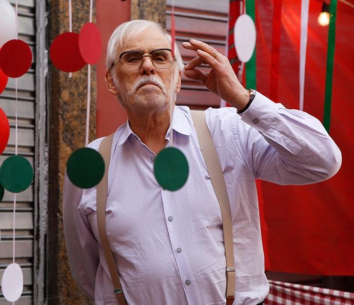 Gaetano, personagem de Francisco Cuoco, é o patriarca da família De Angeli (Foto: Ellen Soares / Gshow)