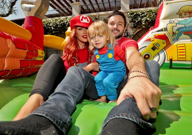 Christina Aguilera e Matthew Rutler com a filha, Summer (Foto: Christopher Polk/Getty Images )