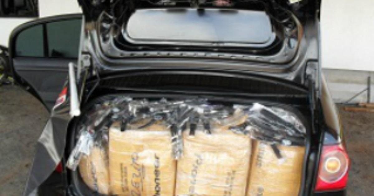 e087b84353f G1 - Polícia apreende carro com mais de cinco mil relógios contrabandeados  - notícias em Norte e Noroeste