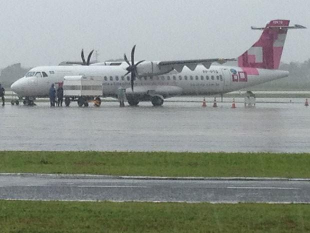 Avião retornar após decolar por problemas mecânicos, confirma Infraero  (Foto: Walter Paparazzo/G1)