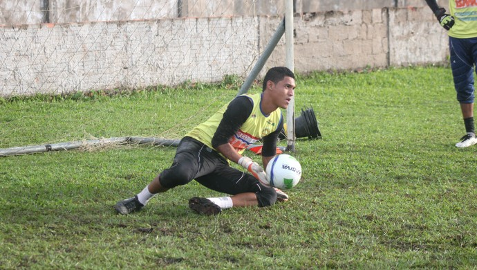 Robson, goleiro do Plácido de Castro (Foto: João Paulo Maia)