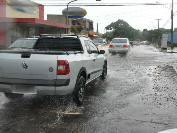 Campo Grande registra 33 milímetros de chuva nesta segunda-feira (18), diz Inmet (Foto: Fabiano Arruda / G1 MS)