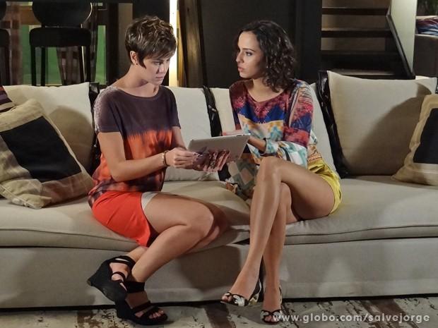 Aisha procura onde fica a Penha (Foto: Salve Jorge/TV Globo)