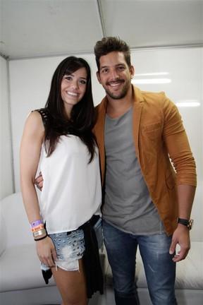 Ex-BBB Talula e Felipe Pezzoni, da banda Eva, em show no Rio (Foto: Tarso Ghelli/ Divulgação)