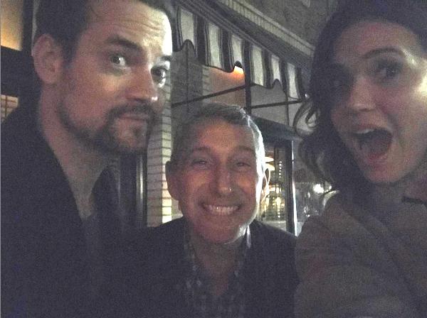 O ator Shane West, o diretor Adam Shankman e a atriz Mandy Moore (Foto: Instagram)
