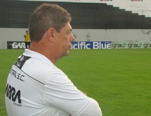 Treinador do Central sub-20 (Foto: Vital Florêncio / GloboEsporte.com)