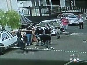 Suspeito morre após ser baleado por delegado em tentativa de assalto em Goiânia, Goiás (Foto: Reprodução/ TV Anhanguera)