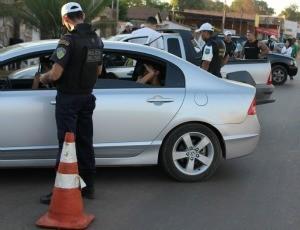 Quem for pego dirigindo embriagado vai reponder dentro da nova Lei Seca (Foto: Taísa Arruda)